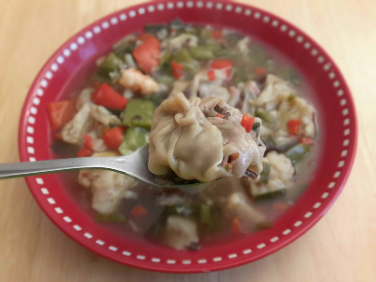Raviolis chinois au bouillon de légumes